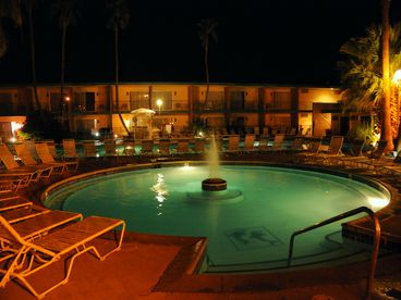 Palm Springs-Desert Hot Springs Villa of Happiness at 16 Mineral Pools/Spa/Sauna