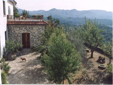 Tuscany: village house with panorama..near Cinque Terre