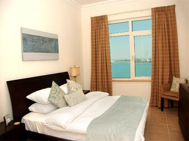 Dubai Self Catering Apartment, 1 Bedroom Palm Beach Front Apartment
