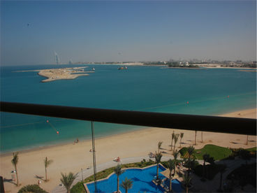 Dubai Self Catering Apartment, 1 Bedroom Palm Beach Front Apartment