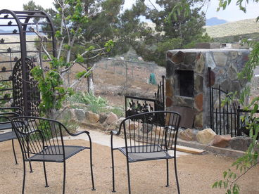 Golf Vacation Cabin  Wifi Satellite Hot Tub Mountain Views  near Prescott Az