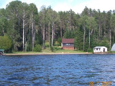 Private Lakefront Cottage