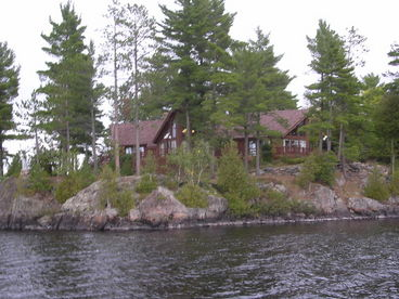 Upper Michigan Island Paradise - Main Lodge Rental