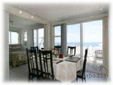 Boston Luxurious Direct Ocean View 4BD/2BA Vacation Home