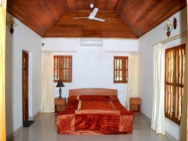 Ocean Hues Beach House, Kannur,Kerala - Seaside Holiday Rental