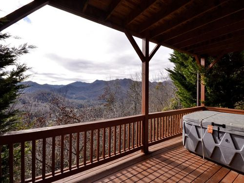 Cloud 10 Mountaintop Guesthouse  � Location, Location, Location! You come here f