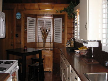 2 Bedroom Executive Log Home with 16 x 32 Heated Pool and Hot tub