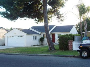Delightful 3 bedroom Home in a great neighborhood close to Disneyland