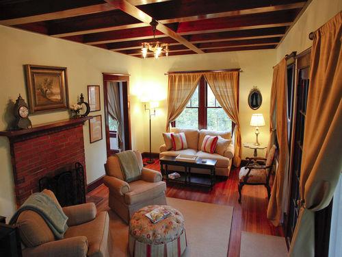 AOS Hospitality House