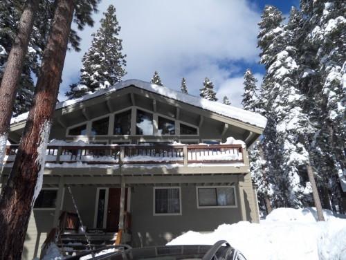 Tahoe Tree Top / Carnelian Bay Family House