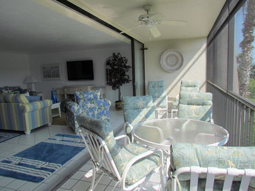 SUNDIAL Q205 Gorgeous Views from 22 Foot Lanai! Spacious,Cheery,Updated 3BR