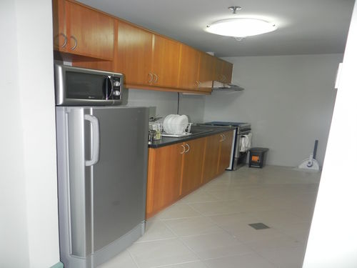 Vacation Condo Rental - The Fort Bonifacio Global City