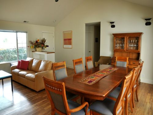 Charming furnished Tiburon Home Summers Only