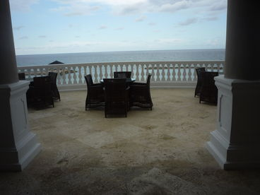 Luxurious i Bdrm Ocean Front Condo in Montego Bay