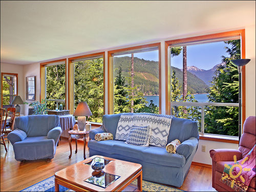 Quiet Cove Lake House Vacation Rental