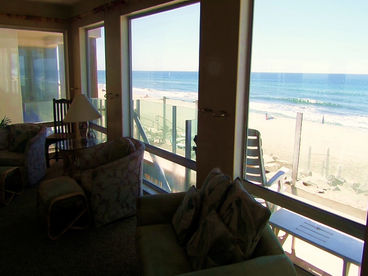 1211 Cottage by the Sea, Beachfront, on the Sand