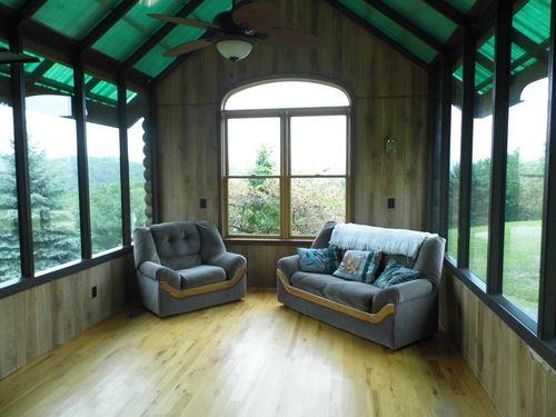 Hidden Hills Cabin near Smoke Hole