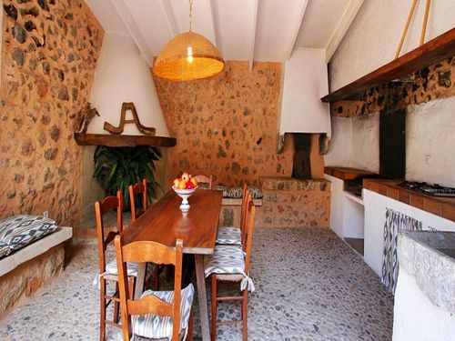St Tropez Villa Close To Beach