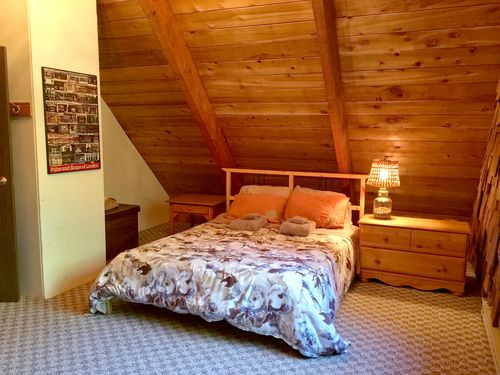 Mt. Baker Lodging - Cabin #22 - HOT TUB, BBQ, WIFI, PETS OK, SLEEPS-8