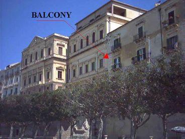 Sea Front Apartment Duomo