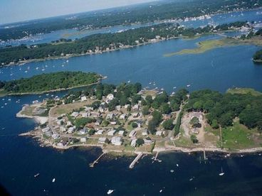 MYSTIC SEAPORT AREA DIRECT WATERFRONT COTTAGE W/DOCK ON PRIVATE POINT
