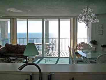 3 BDRM/3 BATH SPACIOUS & LUXURIOUS 1800' GULF FRONT CONDO