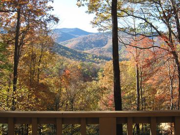 Hemlock Chalet- Mountain View in Mt Mitchell Golf Community
