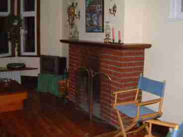THE CLASSIC CHARMER - Fireplace, Woodwrk, Large Deck