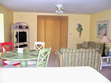 SPRING SPECIALS: 150 paces 2 BEACH btwn 2 pools/Tennis * Dog Friendly Beach