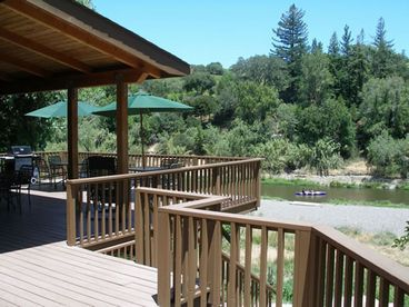 Beautiful Cedar Home on River, 2 Miles to Healdsburg's Plaza