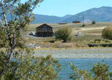 Yellowstone Vacation Home on the River--Lookout South HOT TUB--WI FI