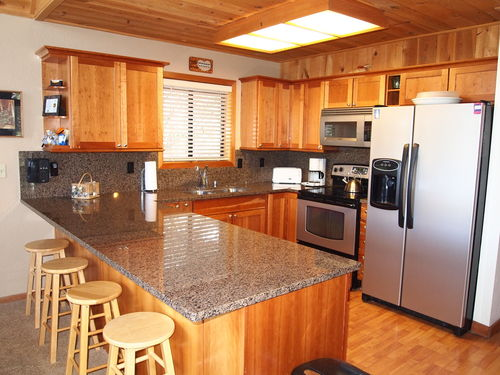 Tahoe Donner Luxury - 4Bdrms/2MstrBdrms/3Baths/Natl Forest, 2Decks, Wireless www