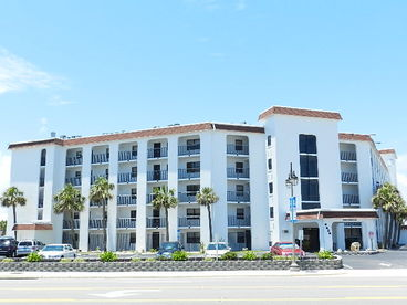 Beachside Getaway..  Best Value 2 Bedroom on A1A
