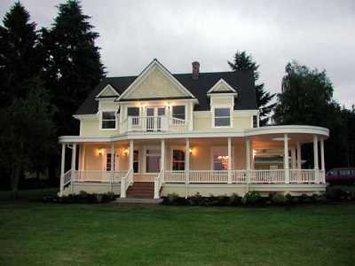 Historic Farmhouse With Spectacular Views!