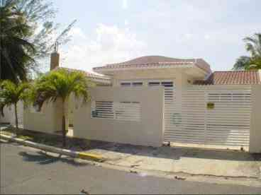 View Gorgeous House Isla Verde Available