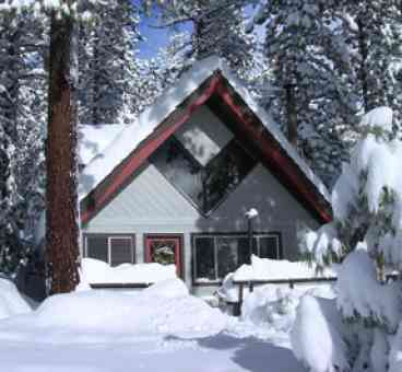 View Cozy Mountain Chalet w Private