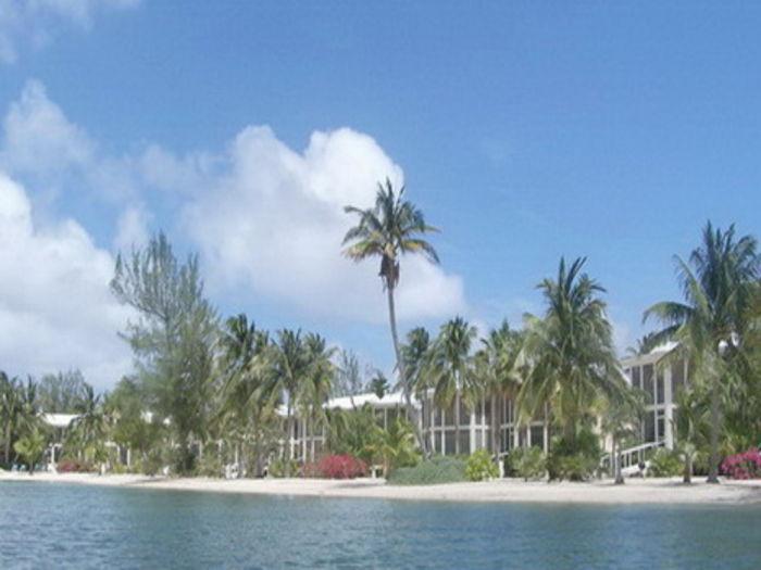 View Barefoot Lagoon  Island House
