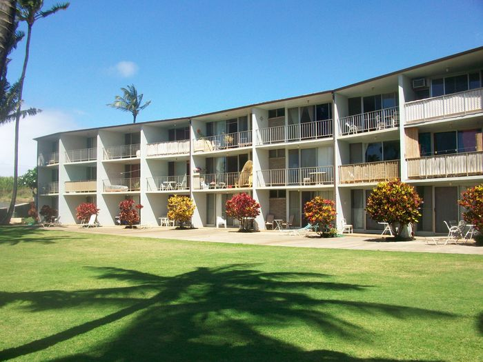View Kuau Plaza
