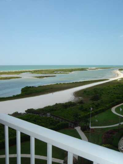 View Lovely 2bed2bath condo on Tigertail