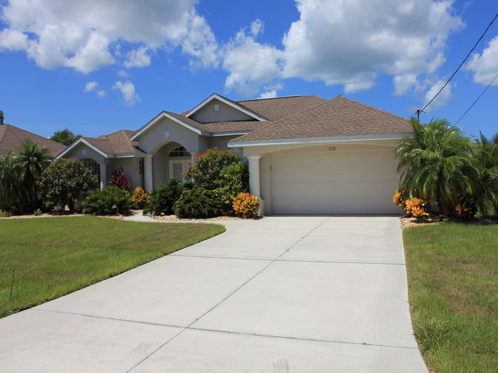 View STUNNING FLORIDA GOLD 5 STAR HOME