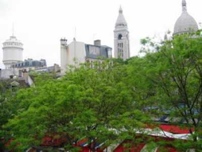 View DREAM VIEWs in Paris Montmartre