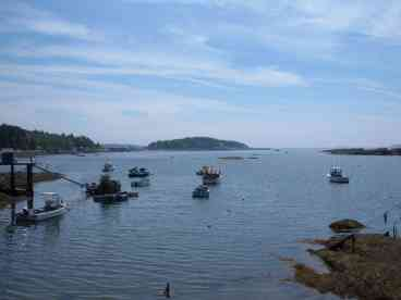 View Cozy Maine Coast Cottage  Minutes