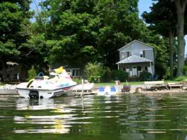 View Owasco Lakefront Cottage Rental