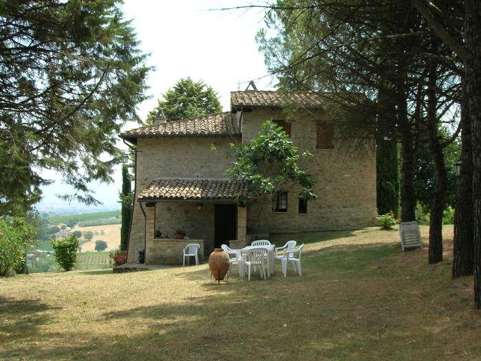 View Le brolle farmhouse