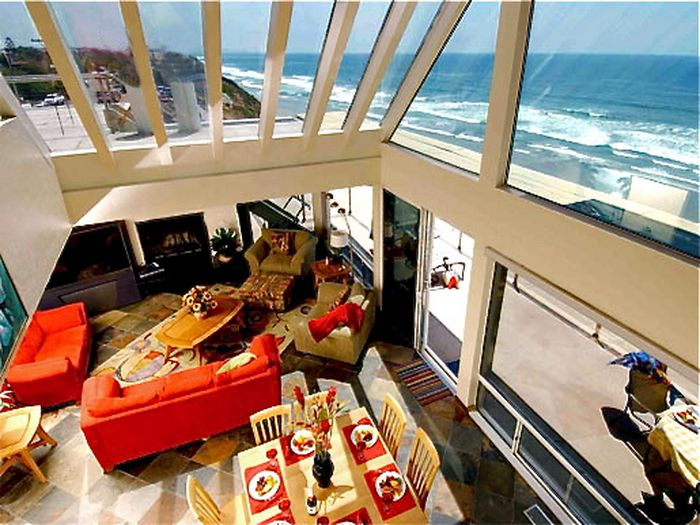 View E2590  Magnificent Oceanfront