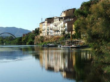 View River Ebro Apartments