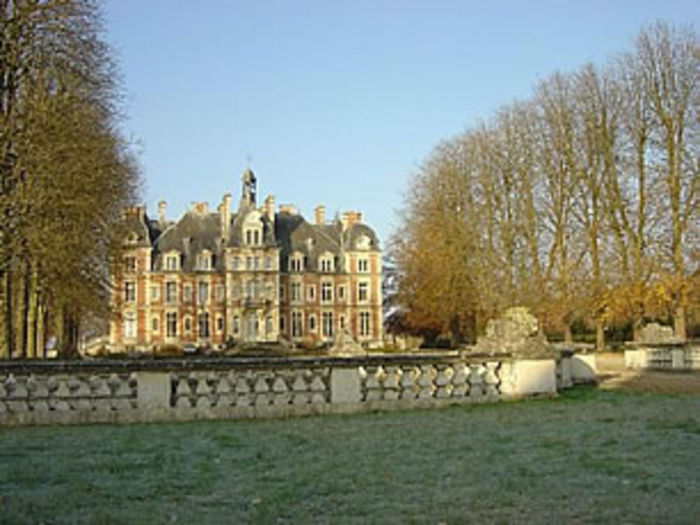 View Apartment in CHATEAU close to PARIS