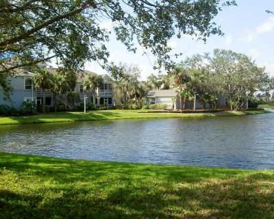 View Beautiful Lakeside Villa with