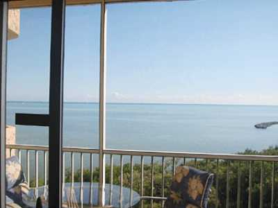 View Oceanfront 2 BR2BA Condo in Paradise