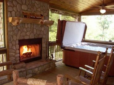 View The Bears Den Luxury Cabin Retreat